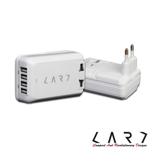 CARD|USB 4port/6A 萬國插座(四孔急速充電器) + 6.3A 安全保險絲-白色