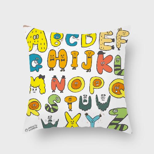 UMade|藝術家創作抱枕-搞怪の字母 / Makoto Hidaka (48x48cm)