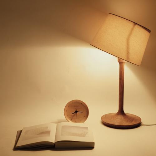 Beladesign│Work 實木檯燈。德國櫸木