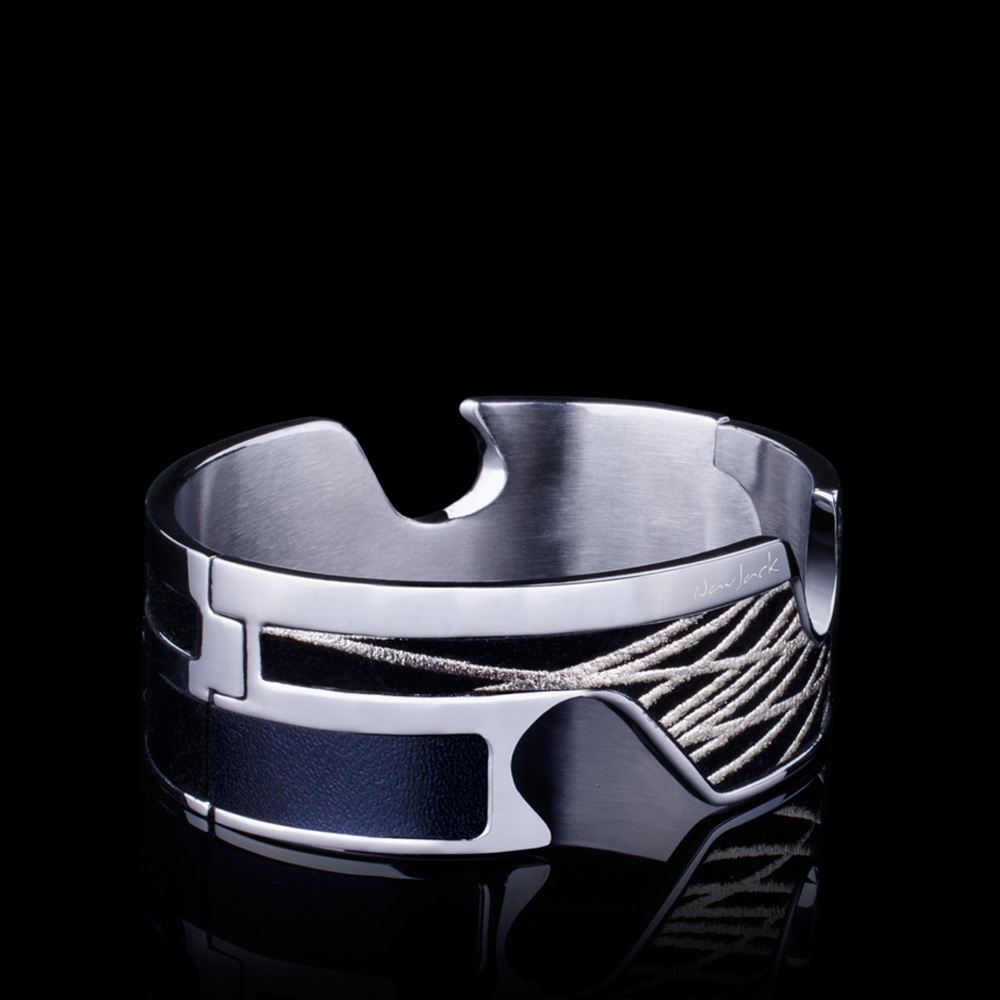 Navjack|手機架手環(漆黑金)
