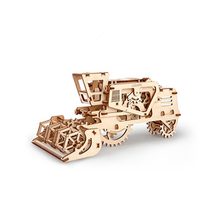 Ugears|自我推進模型 Combine 聯合收割機