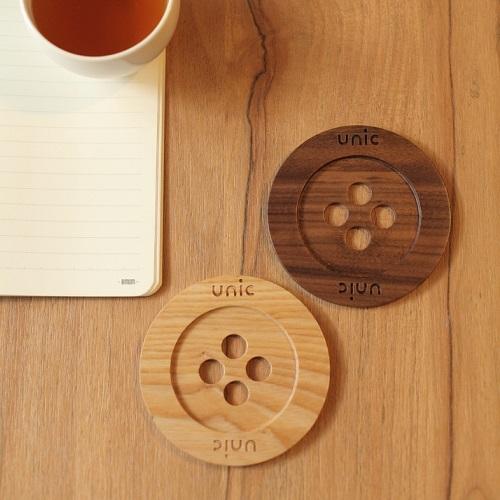 Unic 天然原木鈕扣造型杯墊