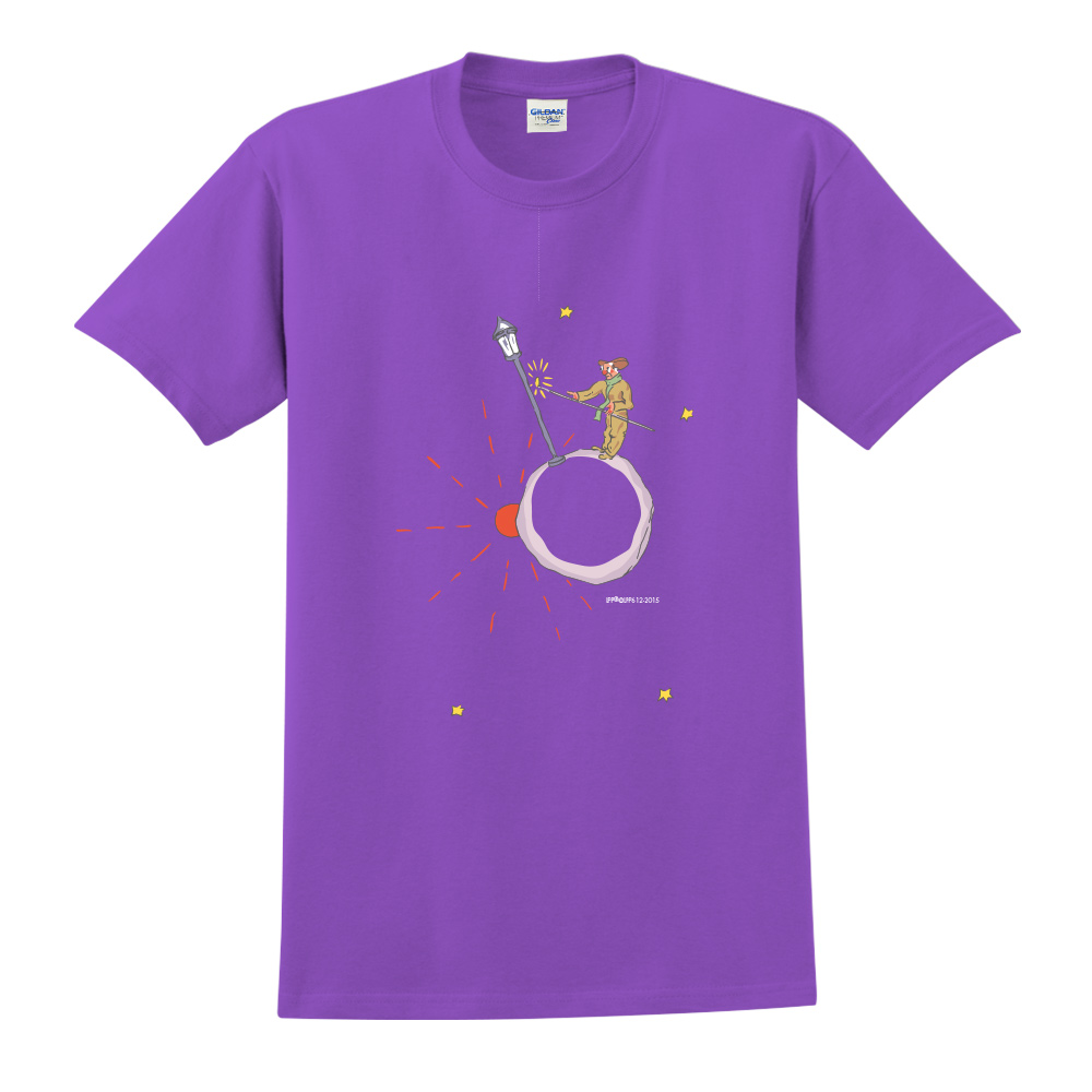YOSHI850|小王子經典版授權【辛苦的燈夫】短袖中性T-shirt (紫)