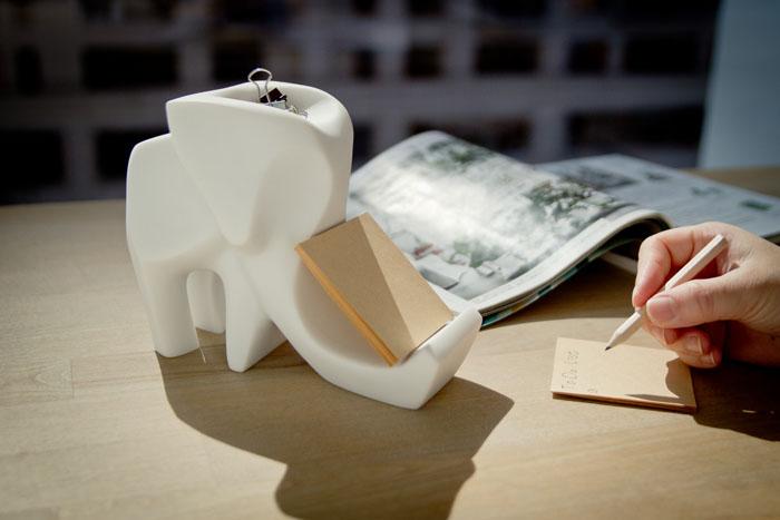 CHU,AN Design|大非洲系列-《快樂大象好夥伴》大象造型立體石雕手機座 / 置物盒