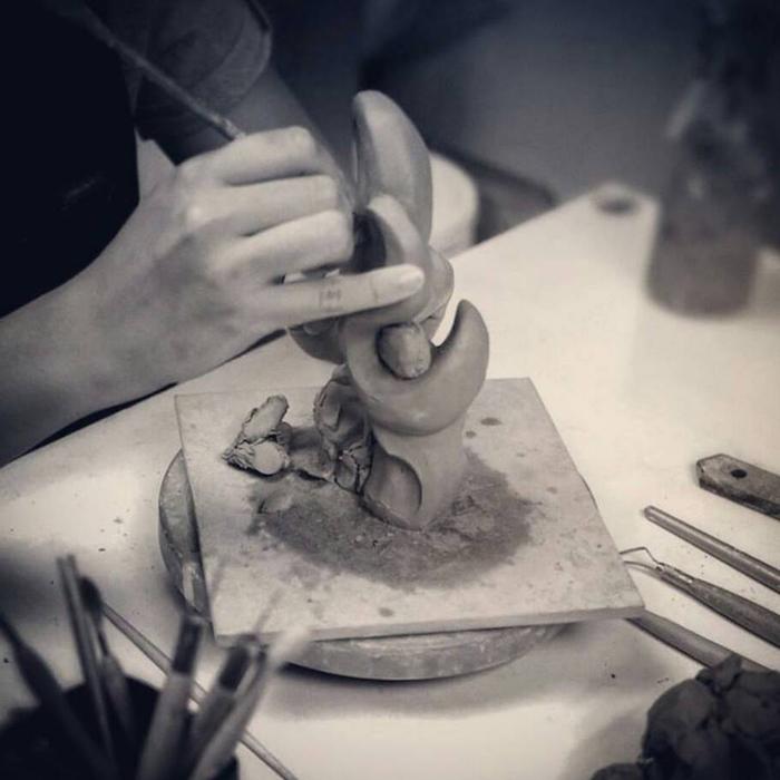筌美術Gallery Chuan   青銅時期系列_《出類拔萃》犀牛造型銅雕