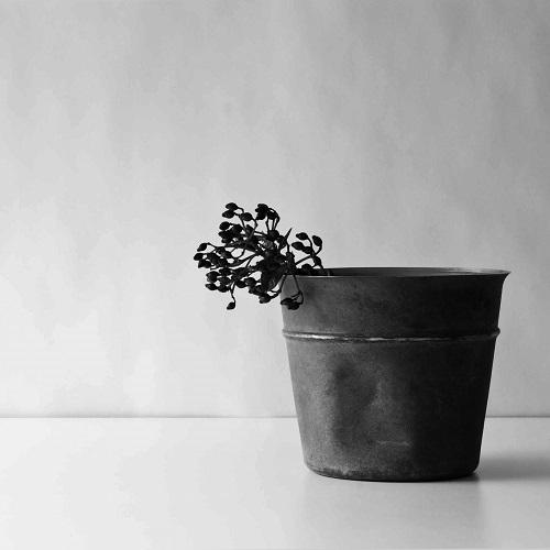 折井 Orii tone銅彩置物筒-黑銅(M)