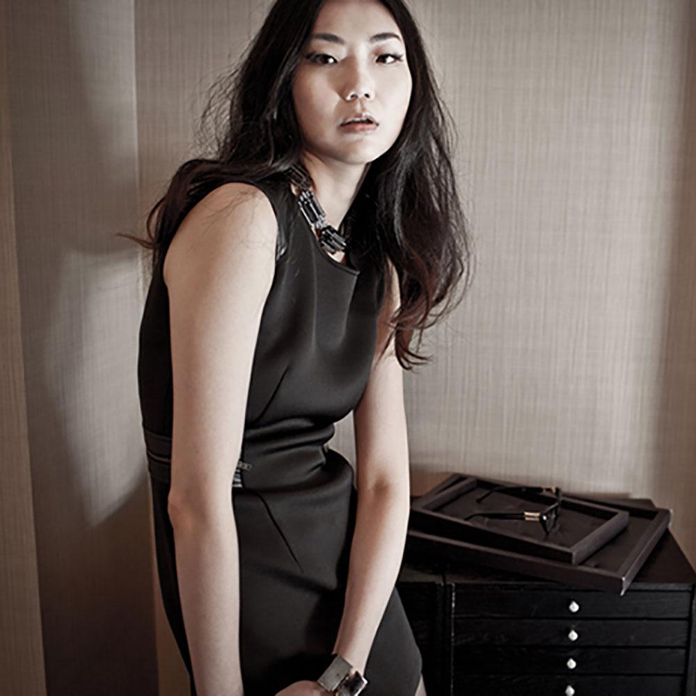 VISIBLE By Ann Cheng|合身皮革剪接洋裝