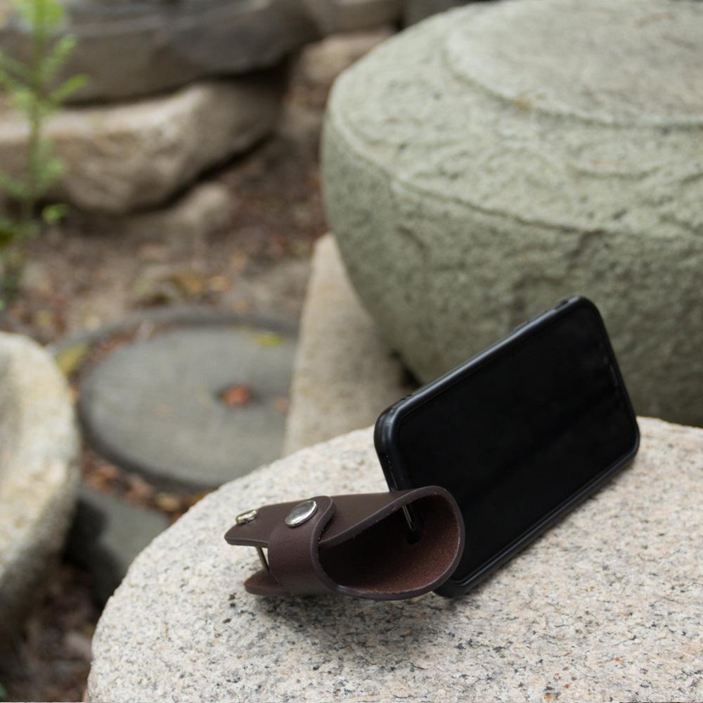 DUAL|真皮創意汽車鑰匙包/手機架 - 圓弧深咖啡