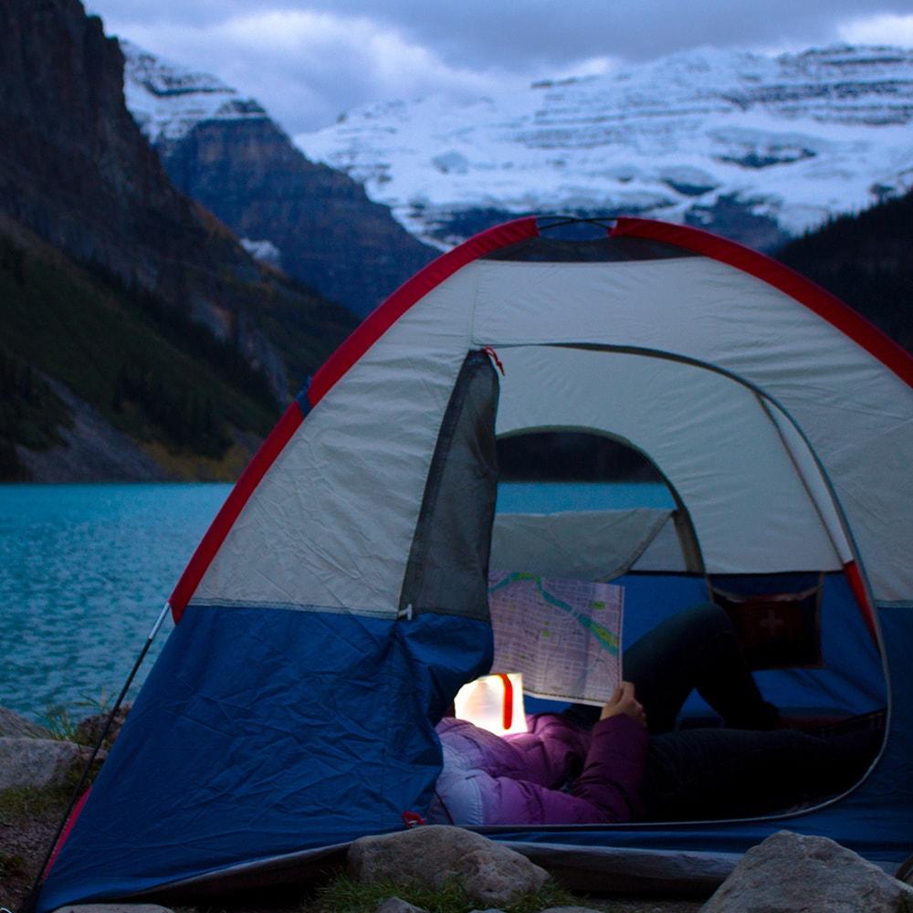 LuminAID PackLite Nova USB 可充式水陸兩用太陽能LED露營燈