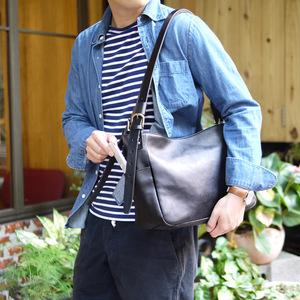 SUOLO|經典大人味,軟皮革大容量側背包