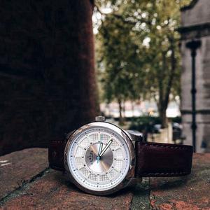 Camden Watch |純英國血統 尊爵大刻度真皮時尚腕錶