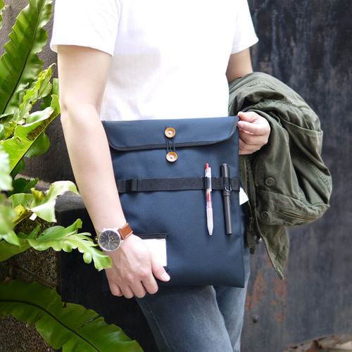 WONDER BAGGAGE 日本製俐落收納 日系機能設計防潑水尼龍手拿包/袋中袋
