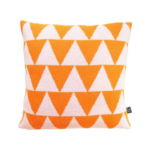 studio chiia好耘設計|針織抱枕套-橘三角