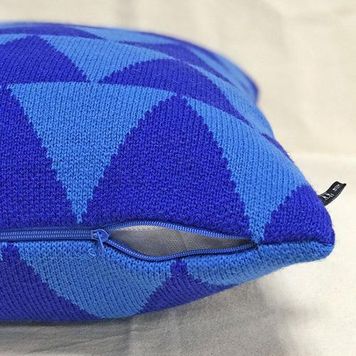 studio chiia好耘設計 針織抱枕套(藍三角)