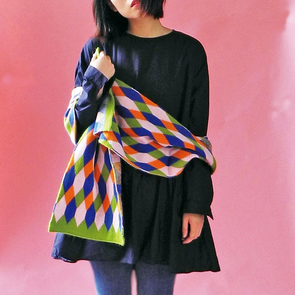 studio chiia好耘設計 針織雙面圍巾(綠邊菱格紋)