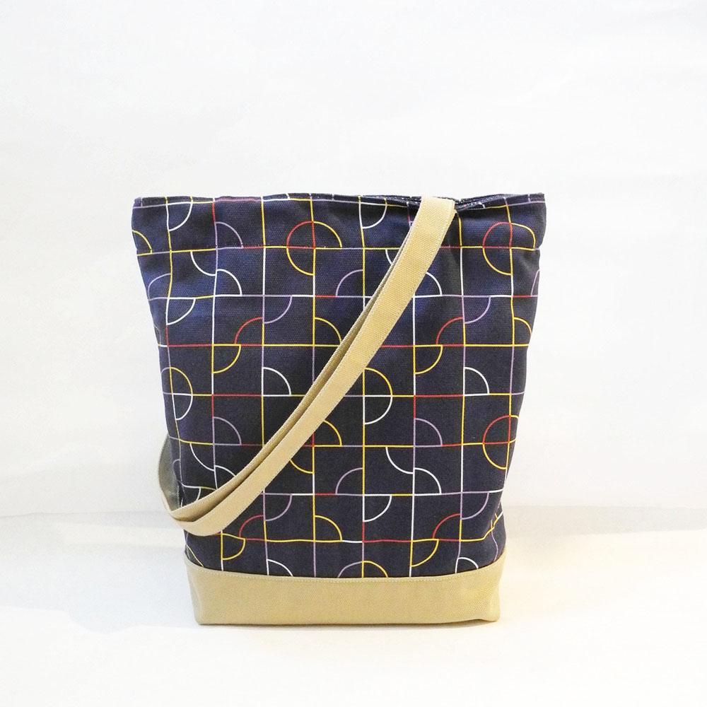 studio chiia好耘設計|印花托特包-池畔紋樣 | 線條藍