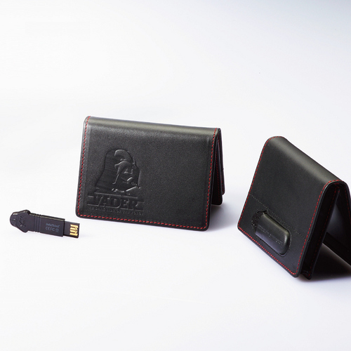 InfoThink 星際大戰黑武士-納帕頭層牛皮名片夾 x 32GB隨身碟