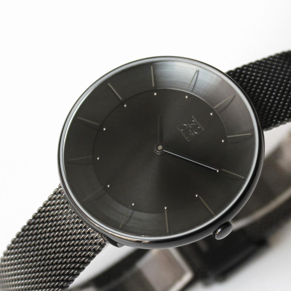 ZOOM|FLOATING 光感美學米蘭腕錶-黑/35mm