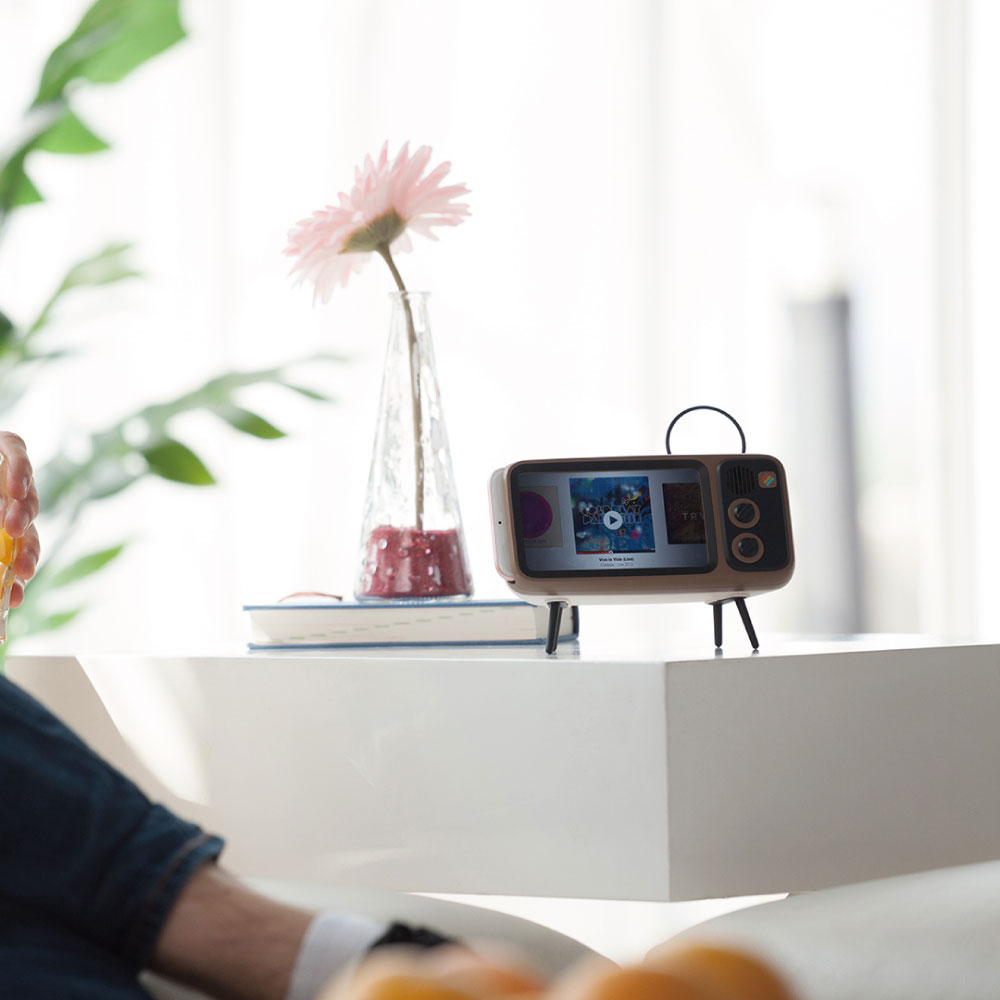 Retroduck │ 電視音箱手機架(Plus 版本)