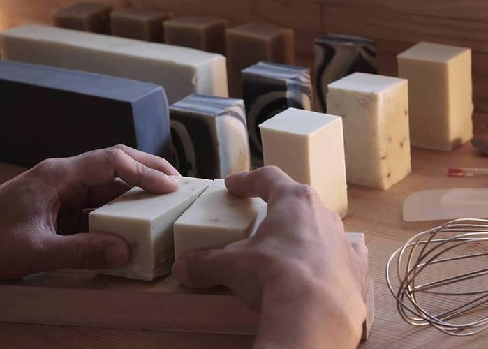 手工糠皂 NUDE系列 薄荷 Mint 玉米澱粉盒包裝  (淺綠色)