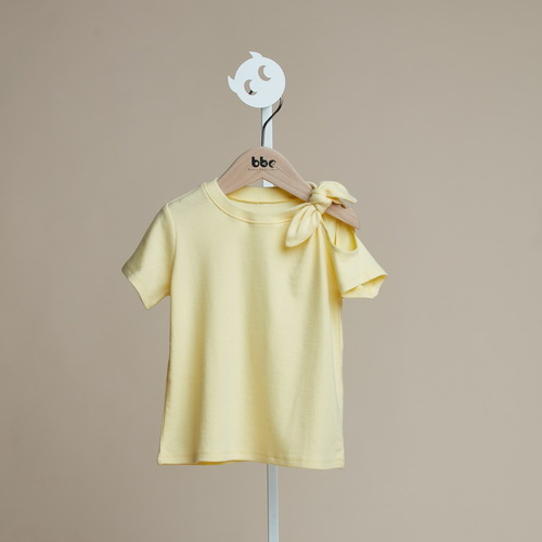 baby baby cool|肩膀簍空蝴蝶結上衣(黃)