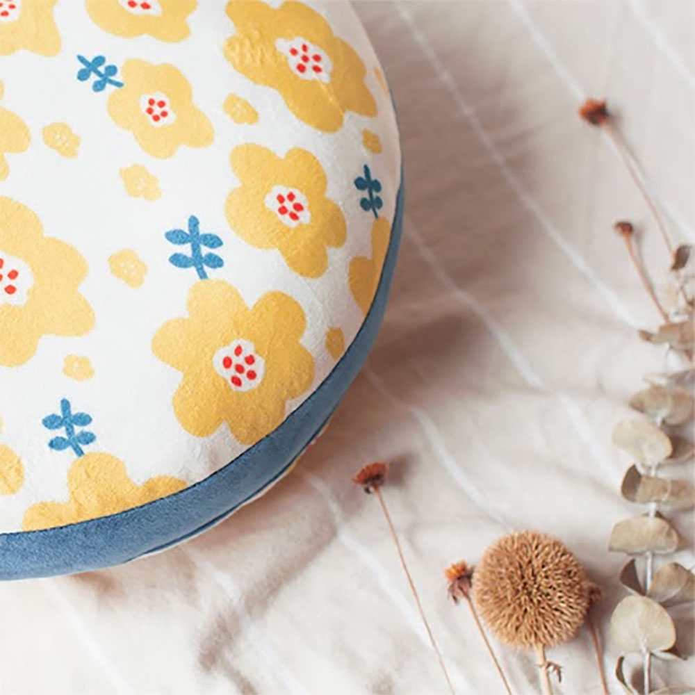 HIPEPPER|日式和風小花抱枕-艷陽黃