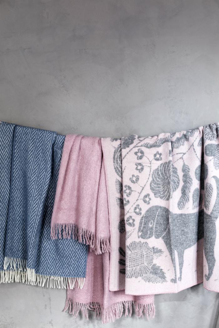 (複製)Lapuan Kankurit 鹿兒島睦貓狗羊毛毯 (藍白)