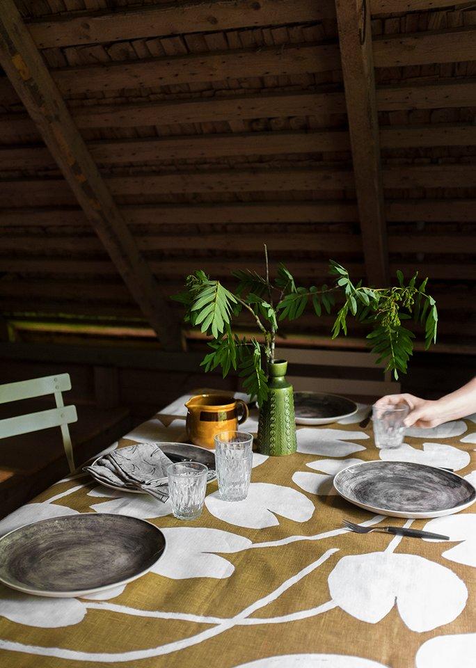 (複製)北歐風設計師款 – 荷花桌巾, 午夜藍 (147X250cm) Water lilies Tablecloth, Night Blue
