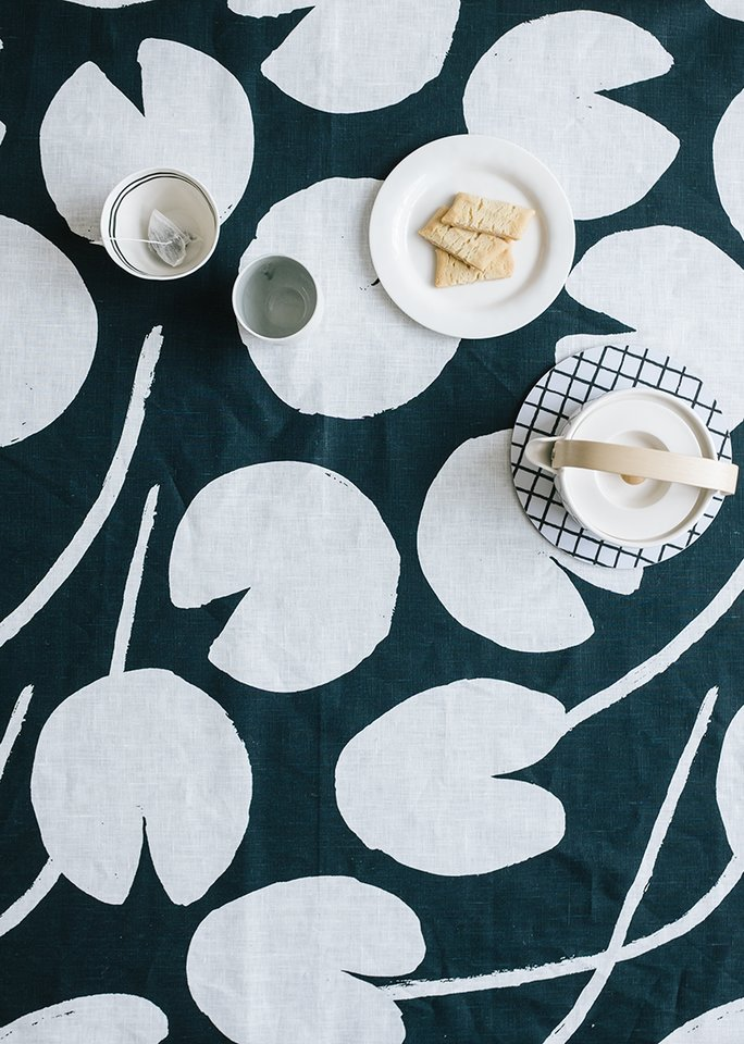 (複製)北歐風設計師款 – 荷花桌巾, 芥末黃 (147X250cm) Water lilies Tablecloth, Mustard