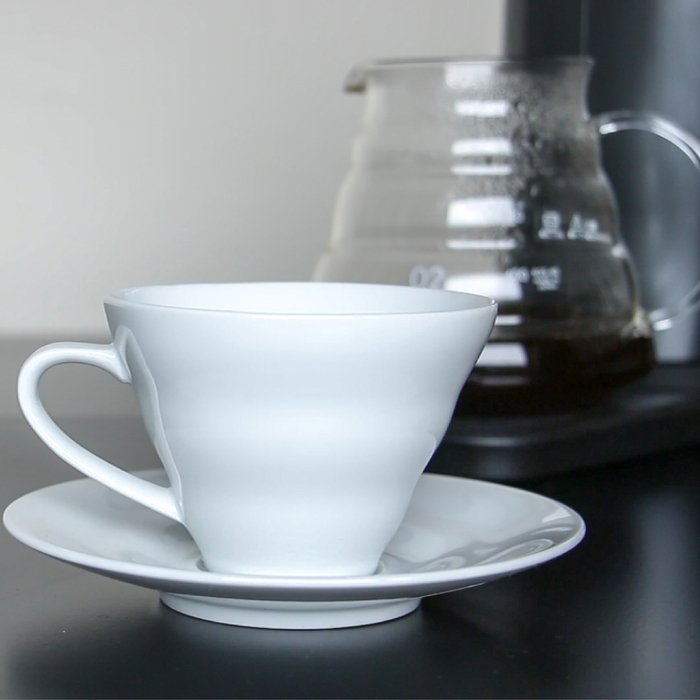 Hiroia|SAMANTHA智慧型手沖咖啡機 + Hario V60 電動磨豆機 EVCG-8B-TW