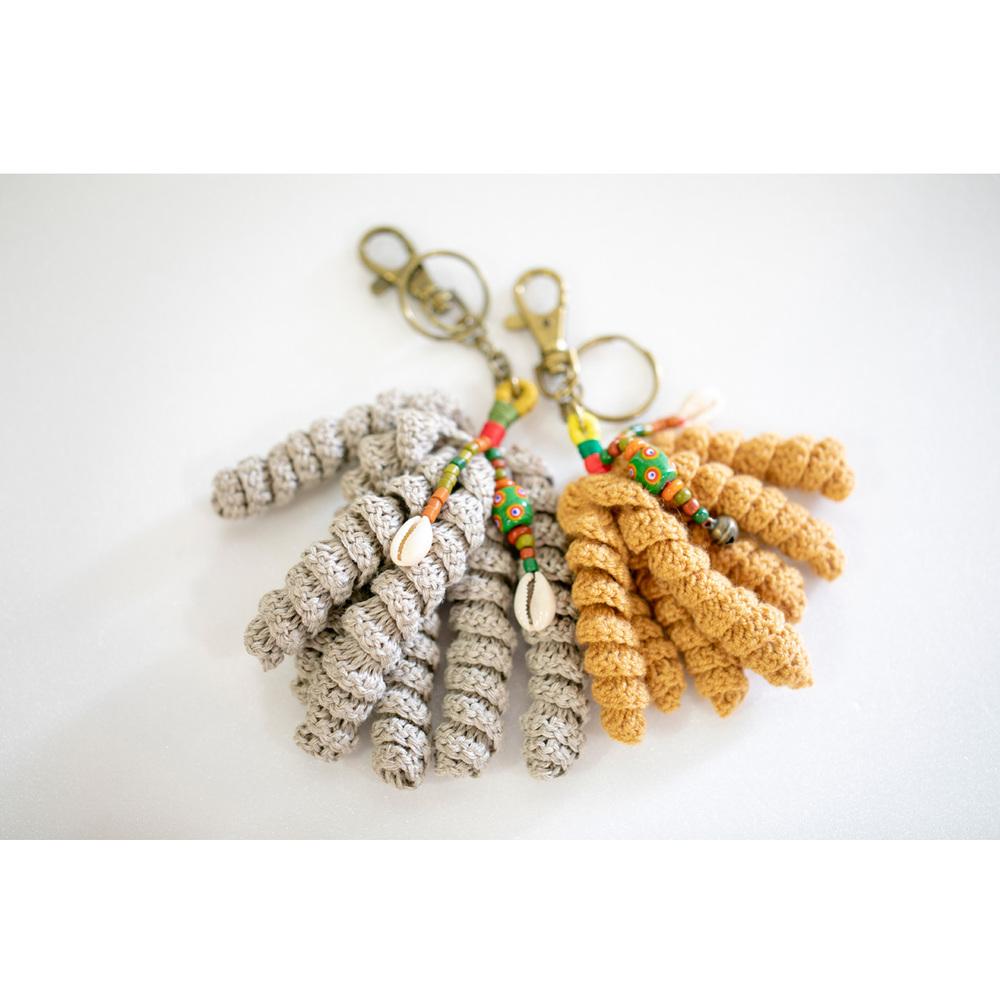 卡塔文化工作室│琉璃小米串鑰匙圈