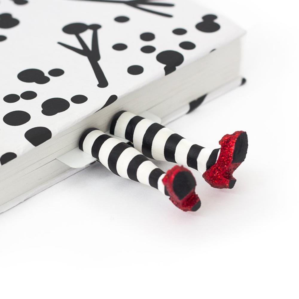 烏克蘭myBookmark|奧茲王國紅鞋女巫
