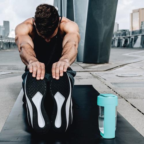 MOUS 澳洲 Fitness運動健身搖搖杯-湖水藍 免鋼球大口徑蛋白粉健身奶昔乳清專用Ttita材質