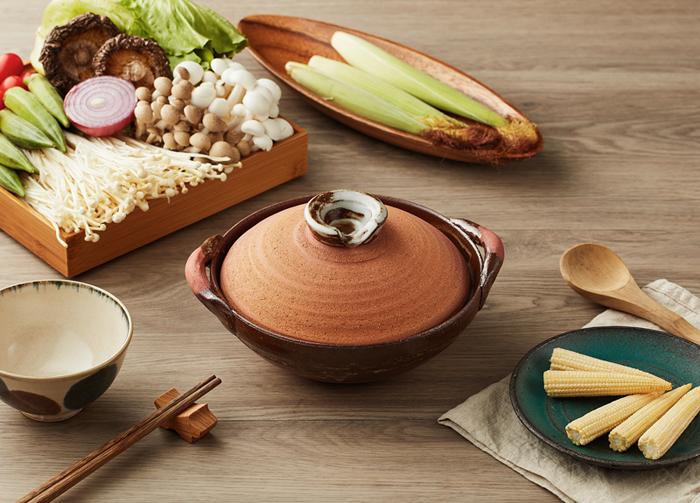(複製)日本萬古燒|珠玉點點雜炊土鍋5.5號-黑(0.9L)
