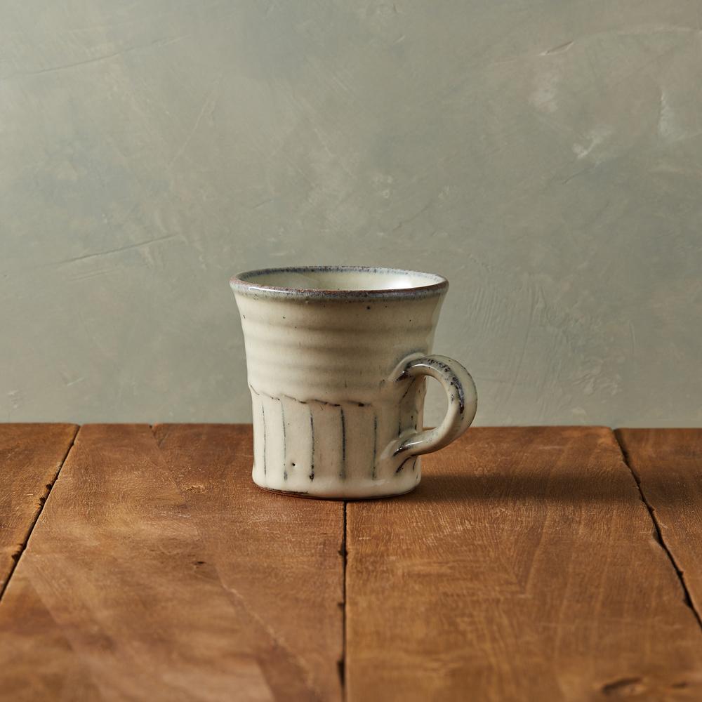 丸伊信樂燒|白萩雕紋馬克杯
