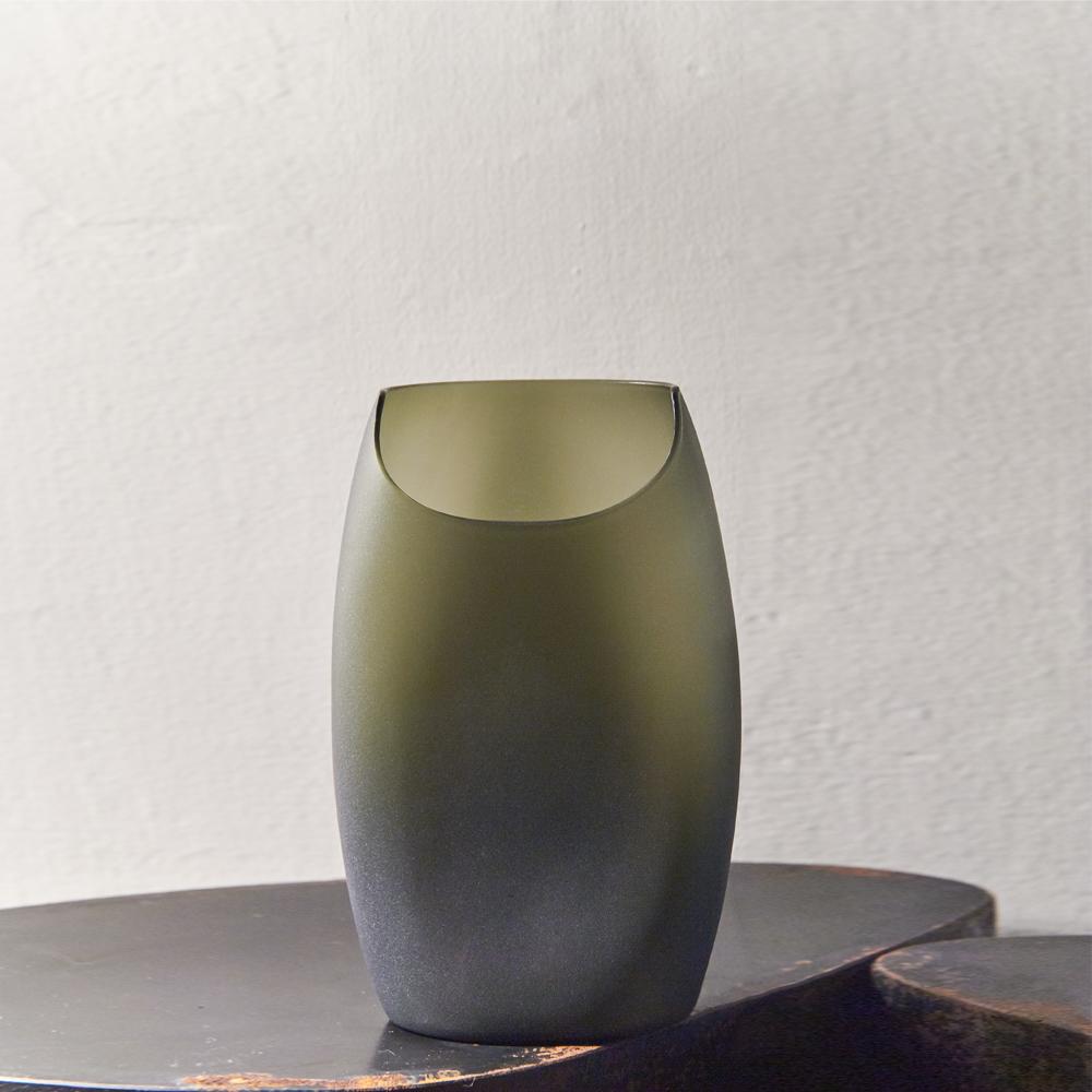 3,co 玻璃月型口扁平花器(8號) - 綠