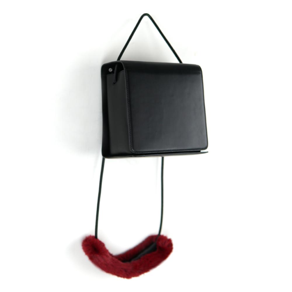 DTB|Dictionary 經典單肩斜背包 - 黑 x 紅手提