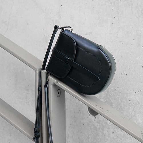 DTB|Eraser 迷你圓弧肩背手機包