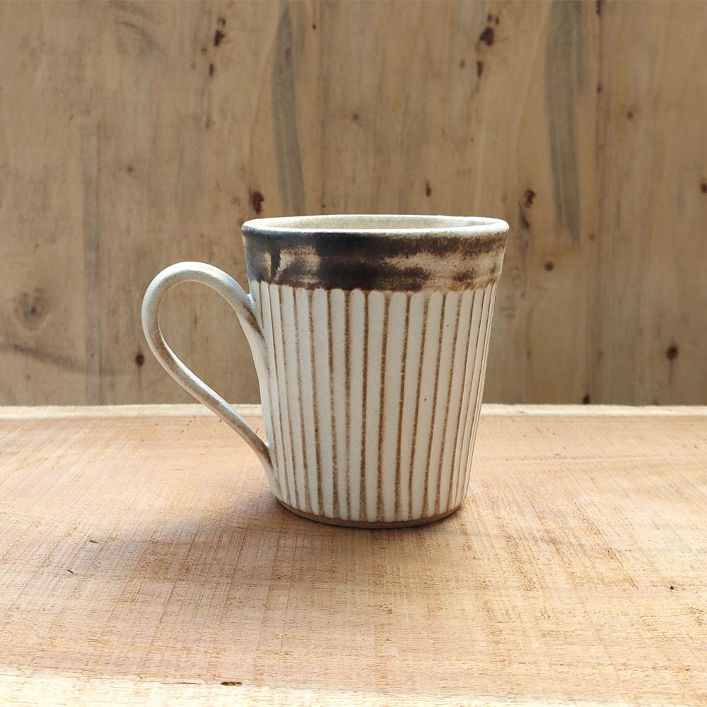 日本窯元益子燒|粉引燻緣紋馬克杯