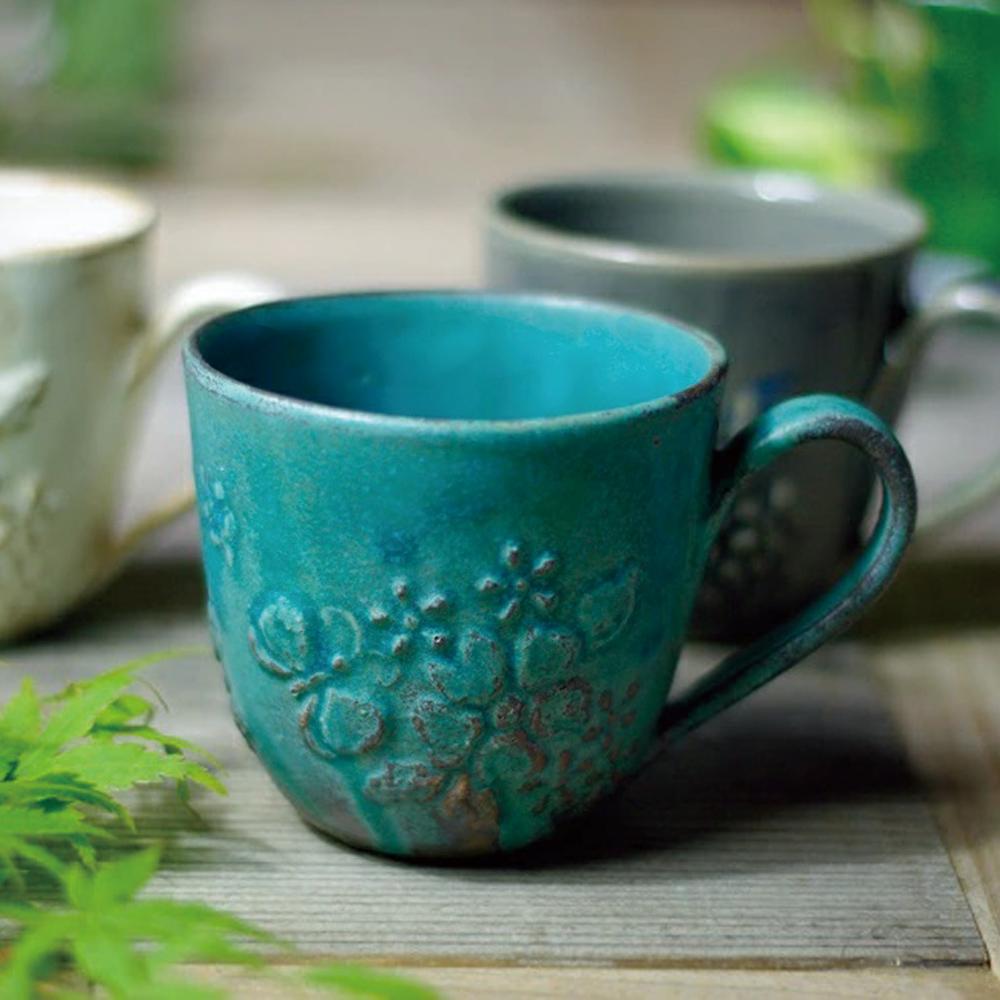 日本窯元益子燒 花園燻雕紋馬克杯 - 青綠
