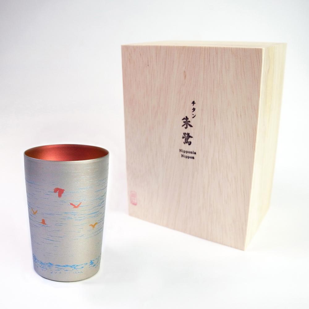 日本HORIE 鈦愛生活系列-日本製 純鈦抗菌朱鷺 雙層啤酒杯(白色)-新潟限定款