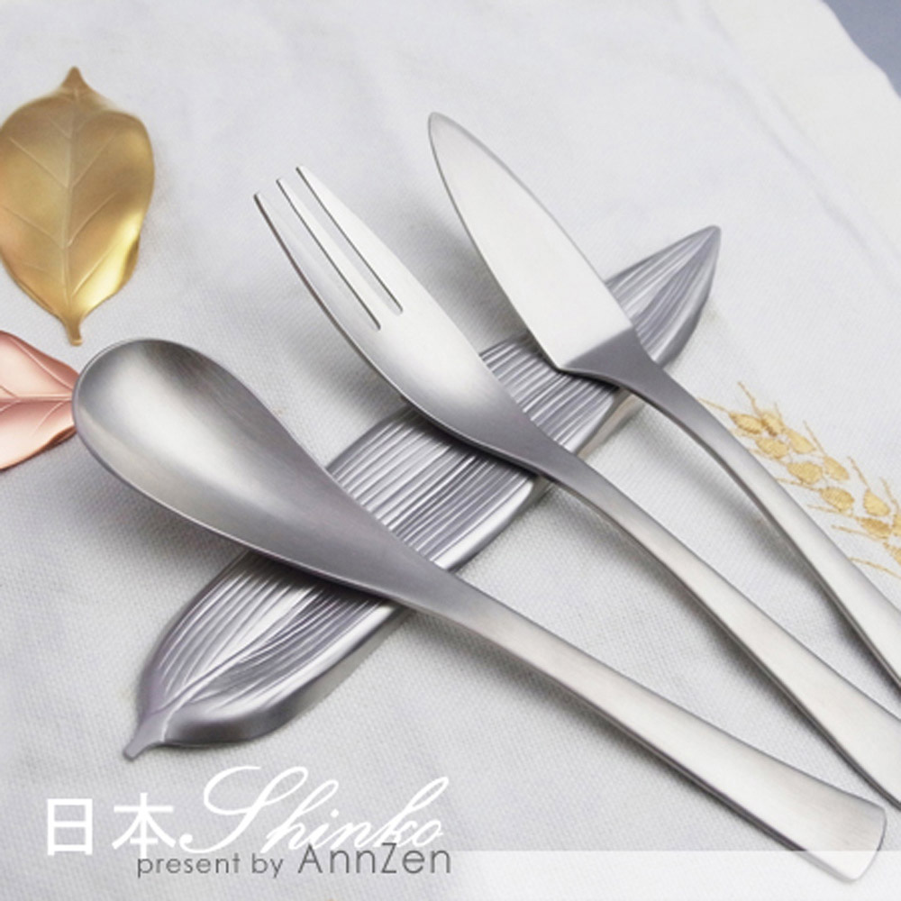 日本Shinko|日本製 設計師系列-作用-竹葉片筷架-銀色