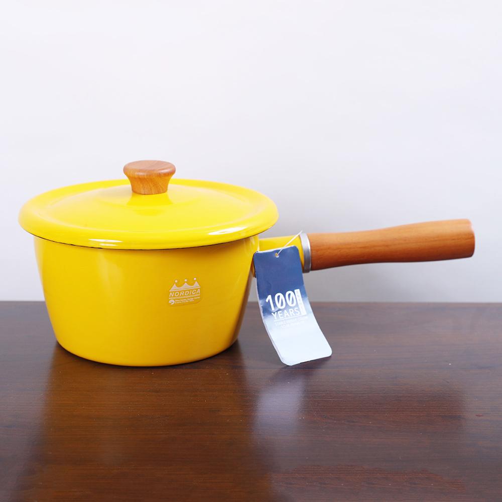 CB Japan|北歐系列琺瑯原木加蓋片手湯鍋 - 芥末黃