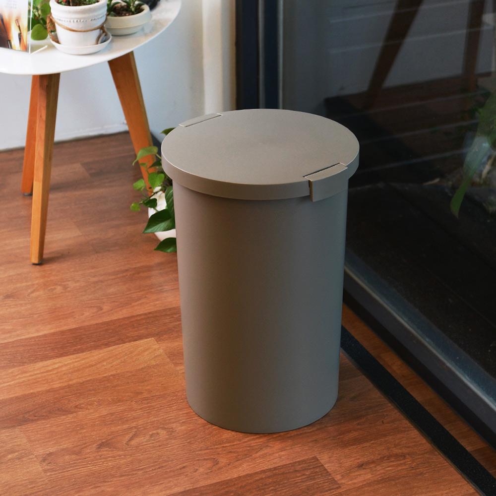 岩谷Iwatani|圓形封扣蓋室內/室外防臭垃圾桶-26L