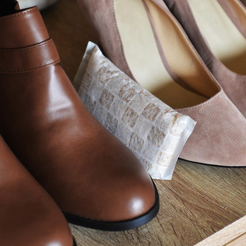 +O家窩 X 戶田|日本製天然木絲除溼/消臭芳香包(樟木味)-鞋櫃專用-4入