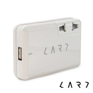 CARD|CA1 全球旅行萬國插座轉換器 (白色)