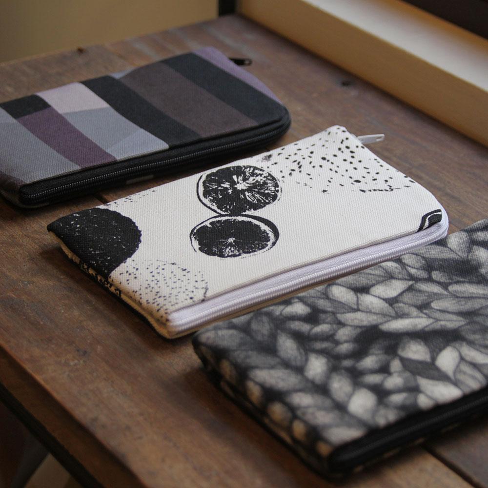 BUWU|手機包- 雨冬 / 果印 / 黑麻花