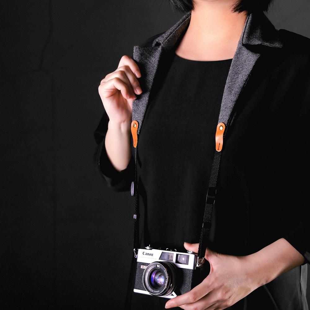 俬品創意|衣領相機背帶(人字紋)