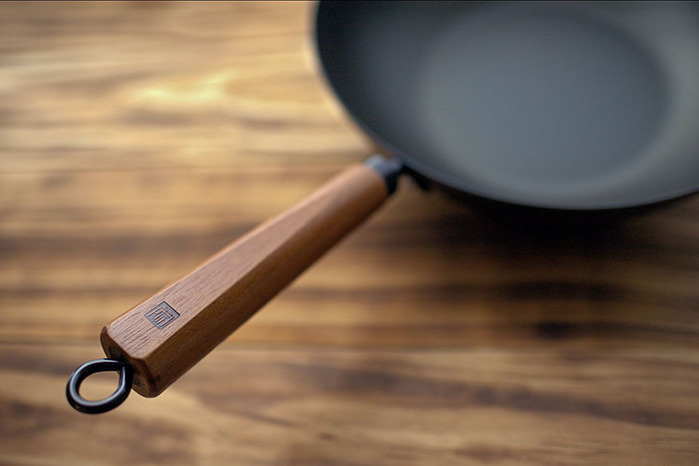 JIA 家|家嚐 碳化鐵鍋30cm (含鍋蓋)