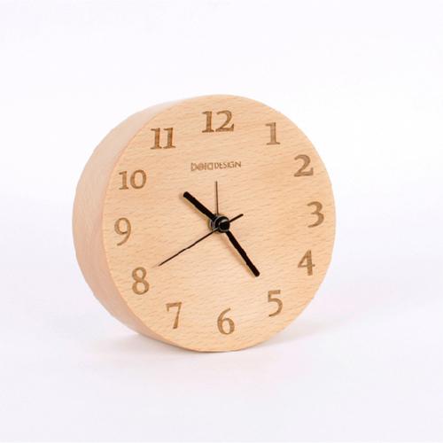 Beladesign│ 實木凹面數字小桌鐘